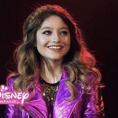 New Disney Channel Shows, Spanish Tv Shows, Image Fun, Brazilian Girls, Son Luna, Hippie Style, Girl Power, Hair Inspiration, Tv Series