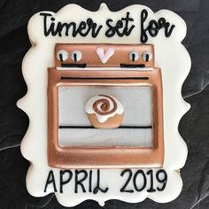 ideas baby announcement cookies children for 2019 Baby Cookies, Baby Shower Cookies, Royal Icing Cookies, Sugar Cookies, Baby Announcement Cake, Baby Announcements, Baby Announcement To Parents, Creative Pregnancy Announcement, Announcement Cards