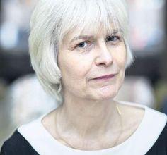 Marli Huijer is sinds gisteren officieel Denker des Vaderlands. Ze combineert twee vakgebieden: de geneeskunde en de wijsbegeerte. En als vrouw legt ...