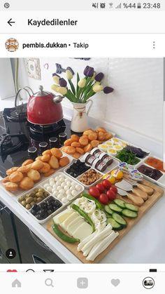 Ahh - Ahh Informationen zu 🍫🍫🍫🍫🍫🍫🍫🍫☕🌯🌯🌯🌯آاااه Pin Sie können m - Breakfast Presentation, Food Presentation, Turkish Breakfast, Cooking Recipes, Healthy Recipes, Food Platters, Food Decoration, Food Design, Food Plating