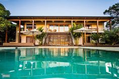Ongoye View Residence in Mtunzini, KwaZulu-Natal huren? Bedroom Night, Kwazulu Natal, Vacation Villas, Property Management, Strand, Swimming Pools, Mansions, House Styles, Beach