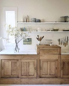 That will motivate you new elegant modern rustic farmhouse kitchen cabinets ideas 8 – fugar.sepatula That will motivate you new elegant modern rustic farmhouse kitchen cabinets ideas 8 – fugar. Modern Farmhouse Kitchens, Farmhouse Kitchen Decor, Home Decor Kitchen, Kitchen Ideas, Kitchen Inspiration, Diy Kitchen, Kitchen Designs, Kitchen Modern, Kitchen Colors