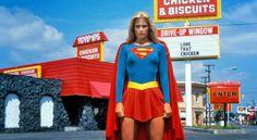 Helen Slater and Melissa Benoist in Supergirl Helen Slater Supergirl, Supergirl 1984, Supergirl Movie, Best Superhero Movies, Superhero Halloween, Halloween Outfits, Halloween 2016, Lana Lang, Christopher Reeve