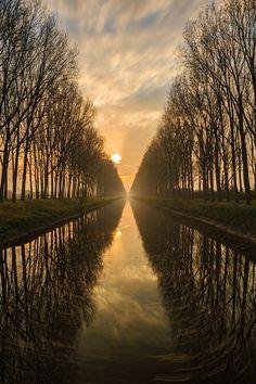 ◦☼✩◦ ♥ レ O √ 乇 ♥◦✩☼◦ ~ Damme, Belgium by Sven Broeckx.