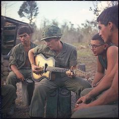 Vietnam War Pictures: Life in the Jungle