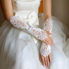 Luvas de cetim com estampa floral sem dedos por R$49,40 | Roupas | | TriClick