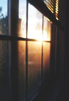 Que a nossa mocidade o leia, há-de sentir o peito alteado de orgulho, a fisionomia animada e forte, expressão dum íntimo movimento harmonioso e contente, que é o próprio bulício das asas da Alegria dentro do coração desperto. ~ Leonardo Coimbra, Quinta de Balasar, 1-9-18.