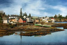 The Farley Inlet, Stonehurst  Stonehurst is a community in the Canadian province of Nova Scotia, located in the Lunenburg Municipal District in Lunenburg County near to Blue Rocks, Nova Scotia.
