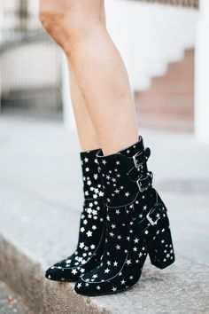 b8f7c40917 Find this Pin and more on Shoes   Accessories by Courtney.