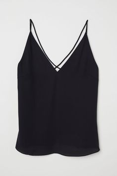 Tops for women – Lady Dress Designs H&m Tops, Crop Tops, Tube Top, Fashion Company, Ladies Dress Design, V Neck Tops, Neue Trends, Loose Fit, T Shirts