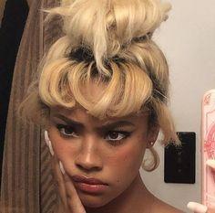 Black Girl Aesthetic, Aesthetic Hair, Hair Inspo, Hair Inspiration, Pretty People, Beautiful People, Curly Hair Styles, Natural Hair Styles, Grunge Hair