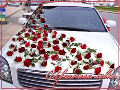 One of the best 2013 collection of Wedding Car Flower Decoration Gallery from Bridal Requirements Collection. Wedding Car Decorations, Flower Decorations, Deco Cars, Wedding Events, Wedding Day, Bridal Car, Wedding Transportation, Car Accessories Diy, Bridal Flowers
