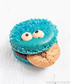 Cookie Monster Macarons for a Sesame Street birthday!