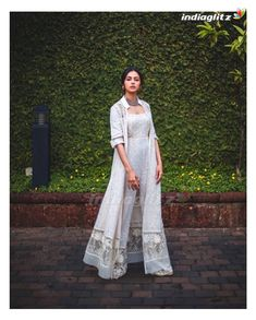 Indian Wedding Outfits, Indian Outfits, Pakistani Dresses, Indian Dresses, Anarkali Dress, Stylish Dresses, Simple Dresses, Simple Indian Suits, Salwar Suits Simple
