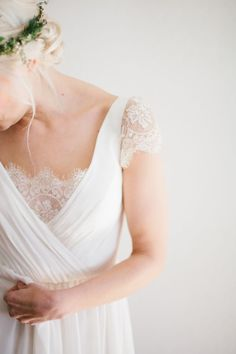 Sweet lace cap sleeve: http://www.stylemepretty.com/2015/05/14/intimate-portland-waterfall-elopement/ | Photography: Her And Everything - www.herandeverything.com:
