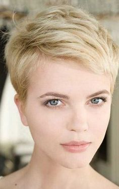 Hairstyles For Round Faces [Found] Blonde pixie.Hairstyles For Round Faces [Found] Blonde pixie Short Pixie Haircuts, Cute Hairstyles For Short Hair, Curly Hair Styles, Pixie Haircut Thin Hair, Hairstyles 2016, Pixie Cut Thin Hair, Short Blonde Pixie, Long Pixie, Short Hair Cuts For Women Pixie