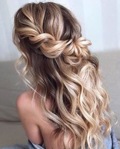 Wedding Hairstyles Half Up Half Down Easy To Do Half Up Hairstyles Twisted Blonde Highlights Prom Hairstyles For Long Hair, Homecoming Hairstyles, Twist Hairstyles, Formal Hairstyles, Hairstyles Haircuts, Hairstyles For Dances, Wedding Guest Hairstyles Long, Mermaid Hairstyles, Boho Hairstyles For Long Hair