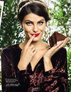 Isabelli Fontana, for Glamour Brasil, April 2013