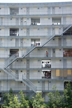 GIFU KITAGATA APARTMENT BUILDING | SANAA | archistate | Residential Building | Exterior Stair | Block Typology |