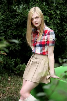 Your best HQ Celebrity Pictures Source. Here you will find Hot Celebrity Pictures, Movie HQ Stills, Couples Pictures Victoria's Secret Model HQ Pictures, Disney HQ Pictures and more. Ellie Fanning, Fanning Sisters, Dakota And Elle Fanning, Cute Little Girl Dresses, Girls In Mini Skirts, Teen Girl Outfits, Cute Outfits For Kids, Cute Skirt Outfits, Teen Fashion