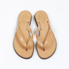 Hydra | Artisanal greek leather sandals from Greece  #madeingreece #sandals #nu-pieds #leather #fashion #femme Greek Sandals, Leather Fashion, Leather Sandals, Greece, Flip Flops, Artisan, Take That, Happy, Shoes