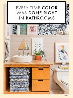 Shabby Chic Kitchen Decor Tips For Your Dream Home Shabby Chic Bathroom Accessories, Shabby Chic Kitchen Decor, Shabby Chic Homes, Tiny House Bathroom, Basement Bathroom, Bathroom Small, Bathroom Storage, Romantic Shabby Chic, Amazing Bathrooms