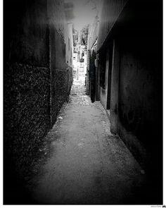 Beco diagonal . por Mariana Siqueira #jenntomfotografias #me #city #sony #nikon #canon #igbelem #igpara #eusoudonorte #fotografos_brasileiros #amazonia #meubempara #igersbelem #cliquebrasil #instagram #photography #Photostreet #womanphotographer #streetphotography #belemeuamoecuido #love #fotografeobrasil #pretoebranco #pb #HarryPotter Direitos reservados e protegidos pela Lei do Direito Autoral N 9.610 de 12-02-98 NÃO REPRODUZA SEM AUTORIZAÇÃO. ___ Siga nossa página no Facebook…