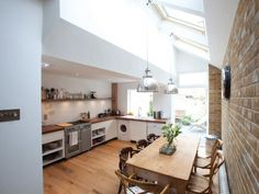 Soundhouse create beautiful bespoke loft conversions, plus a wide range of other building projects, in Brighton, Hove and beyond. Victorian Kitchen, Victorian Homes, Kitchen Diner Extension Victorian Terrace, Conservatory Extension, Modern Victorian, Bright Kitchens, Home Kitchens, Kitchen Living, New Kitchen
