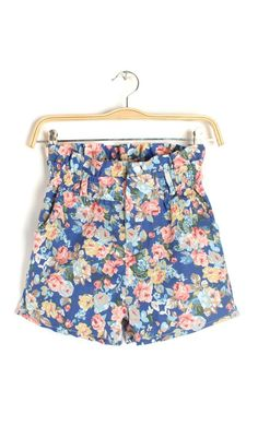 Highwaisted floral shorts