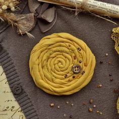 """""""Mustard linen brooch 🌾"""""""