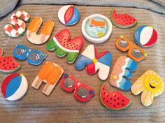 Summer cookies for my summer students Summer Cookies, Fancy Cookies, Cut Out Cookies, Cute Cookies, Cupcake Cookies, Cupcakes, Sugar Cookie Royal Icing, Iced Sugar Cookies, Chocolates