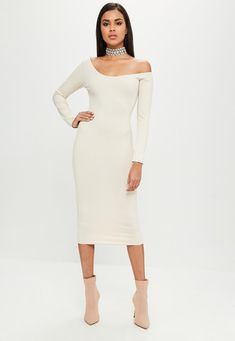 Missguided - Carli Bybel x Missguided Nude Long Sleeve Ribbed Dress