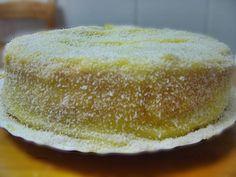 INGREDIENTES BOLO 6ovos 250gr açucar 100gr fécula de batata 1 colher (sopa) de farinha 1 colher (chá) fermento sumo de limão (eu meti mais ou menos metade de um limão pequeno) Batem-se as claras em castelo.Depois,sem bater,mistura-se o açucar e a farinha.Depois de bem mexido juntam-se as gemas,o fermento,a fécula e o sumo de limão.Vai …