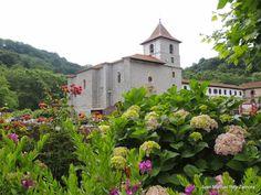 Urdax, Monasterio de San Salvador #Navarra (foto: J.M. Rey) -> http://www.turismo.navarra.es/esp/organice-viaje/recurso/Localidades/2634/UrdazubiUrdax.htm