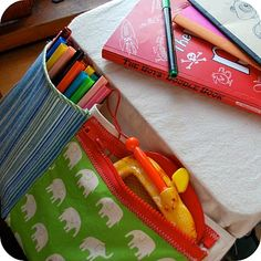 traveling with kids - links to 5 ways to make travel games for kids