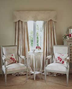 Home Interior Design Tips From The Pros - Cute Home Designs Shabby Chic Français, Design Your Home, House Design, Kate Forman, Urban Decor, French Country Bedrooms, European Home Decor, Pillow Room, Interior Design Tips