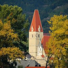 Weissenkirchen on the banks of the Danube is a delightful town surrounded by orchards and vineyards.