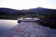 http://www.anthonypaullandscapedesign.com/images/gardens/france/8.jpg