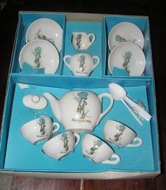 Always wanted set of this exactly!               Holly Hobbie Tea Set (I still have mine)