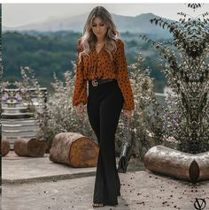casual outfits,casual fashion,everyday outfits,everyday fashion,basic clothes Source by Outfits everyday Classy Outfits, Chic Outfits, Trendy Outfits, Fashion Outfits, Fall Outfits For Work, Business Outfits, Office Outfits, Outfit Stile, Flare Jeans Outfit