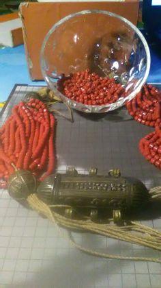 Restauro collana.. Yemenita, corallo rosso