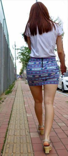 Mini Skirt Dress, Sexy Skirt, Cute Skirts, Short Skirts, Chica Cool, Sweet Jeans, Girls In Mini Skirts, Alternative Fashion, Sexy Legs