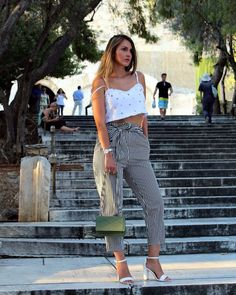#ad .. Happy Tuesday ladies! Today I'm posting my last photoshoot from Greece, which features this exquisite laurel green crossbody from @hieleven 😊Don't you love it too 😍For more info, please check out my new blog post! (Link in bio)......#newblogpost #newblog #fblog #fashionist #fashionbloggerstyle #blogged #trendalert #leatherbags #hieleven #streetlook #stretstyle #streetstyleluxe #lookofday #lookfashion #fashionlife #stylelife #stylegirl #styledbyme #followme #liketkit #stylecollective…