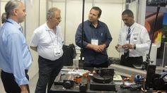 Projetista Sr. Luis Batistute, Sr. José Freire do depto. Comercial e o Diretor Sr. Marcos Oliveira visitam o stand da MCR Ferramentas na FIEE ( 28ª Feira Internacional da Indústria Elétrica, Energia e Automação) realizada no Pavilhão de Exposições do Anhembi