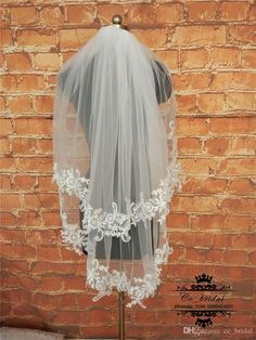 New Elegant Applique Lace Short Veils For Bridal Two Layers Soft Tulle Wedding Veils New Fashion White Ivory Veils For Weddings Real Sample How To Make Bridal Veils Mantilla Bridal Veil From Cc_bridal, $20.11| Dhgate.Com