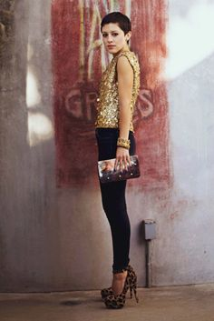 Karla Derass from Karla's Closet wearing a J Brand classic dark wash skinny jean