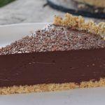 Εύκολη σοκολατένια τάρτα χωρίς ψήσιμο Feta, Desserts, Tailgate Desserts, Deserts, Postres, Dessert, Plated Desserts