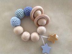 Drops Baby, Wooden Teething Ring, Diy Bebe, Best Baby Gifts, Baby Teethers, Teething Toys, Crochet Bunny, Baby Rattle, Gifts For New Moms
