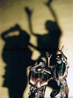 walkup.sunnyday.jp » NIGERIA ジャンベとコラを演奏する男達 #poupéedemusicien Darth Vader, Fictional Characters, Fantasy Characters