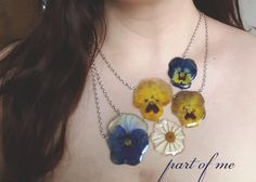 flower smile-  real flower necklace, pressed flower, real flower jewlery, epoxy…